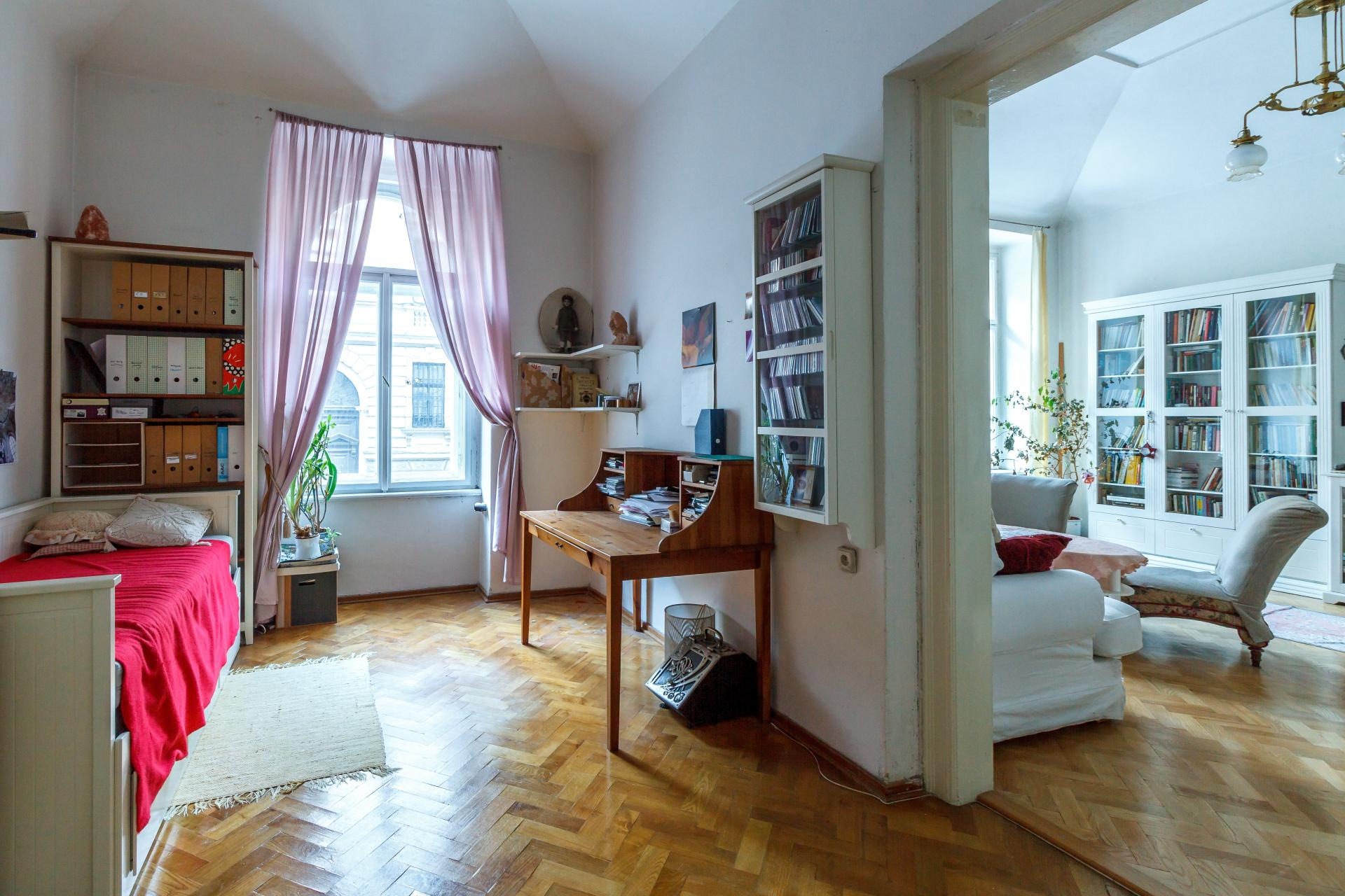 flat-in-the-tenement-house