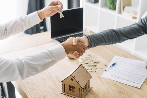 httpswww.freepik.comfree-photocrop-men-shaking-hands-real-estate-agency_2123986.htmpage3querypropertyposition6