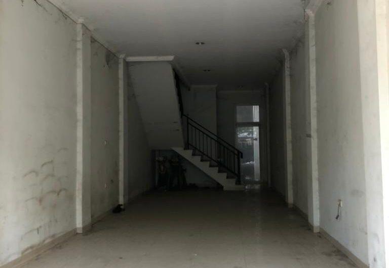 Disewakan Ruko 3 Lantai lokasi strategis di jalan antara greenlake dan semanan dekat Garuda Training Center