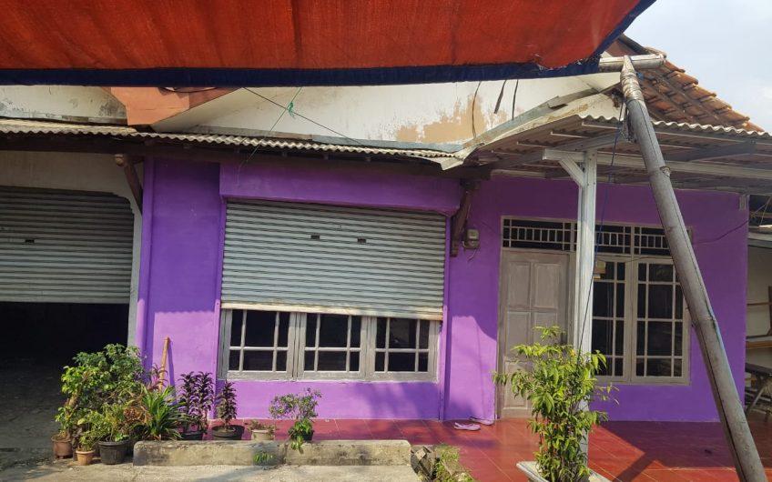 dijual Rumah Tua bagus untuk investasi, depan jalan utama harga 4,5 M